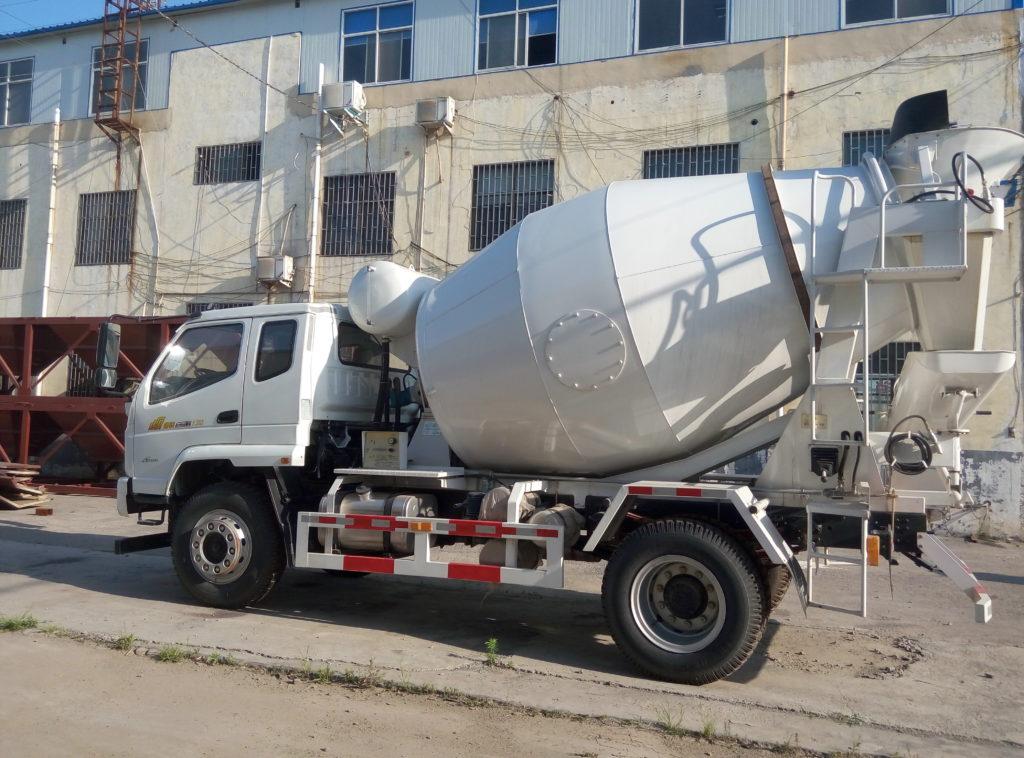 4 cub small concrete mixer truck